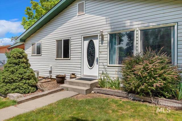 560 E Ave C, Wendell, ID 83355 (MLS #98812288) :: Trailhead Realty Group