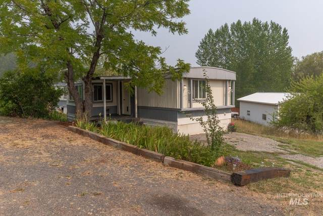 500 6th Avenue, Deary, ID 83843 (MLS #98814504) :: Story Real Estate