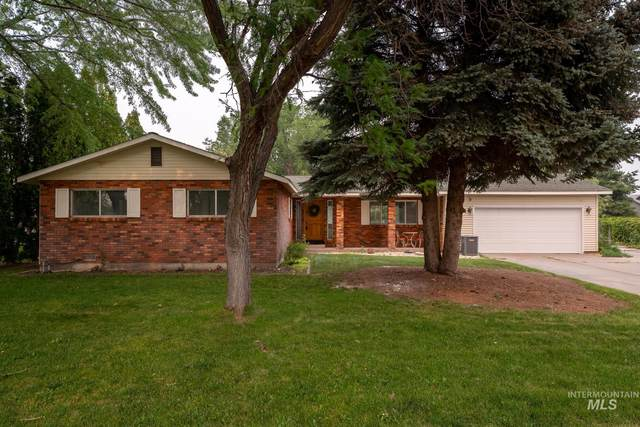 100 NW Carrie Cir., Mountain Home, ID 83647 (MLS #98814561) :: City of Trees Real Estate