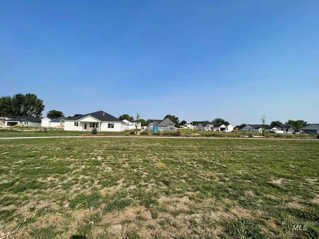3905 Palisade Ave, Caldwell, ID 83605 (MLS #98816310) :: Idaho Life Real Estate