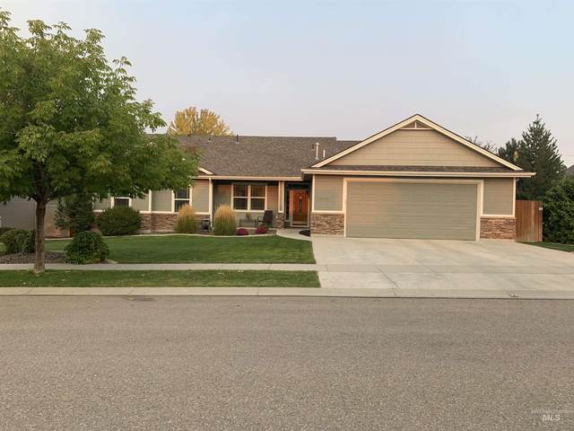 2059 S Sandcrest Loop, Nampa, ID 83686 (MLS #98817624) :: First Service Group