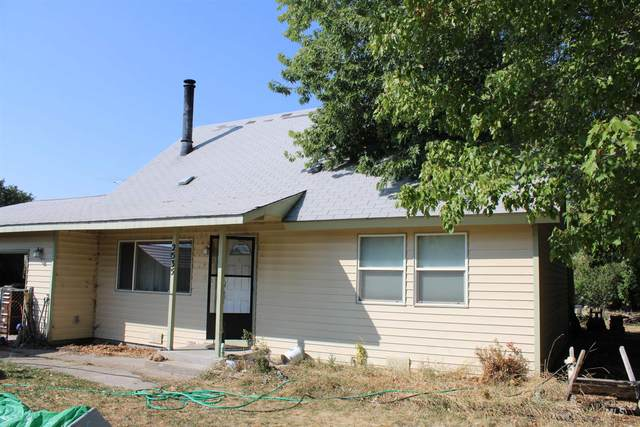 2535 N 3rd E, Mountain Home, ID 83647 (MLS #98818765) :: City of Trees Real Estate