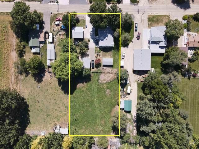 2703 Syringa Ln, Caldwell, ID 83605 (MLS #98819191) :: Idaho Real Estate Advisors