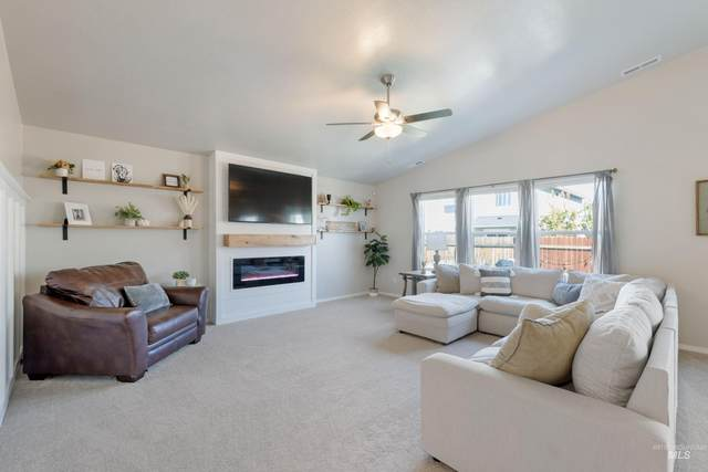 5513 Big Tooth Pl., Caldwell, ID 83607 (MLS #98820201) :: Bafundi Real Estate