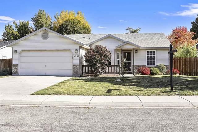 1254 E Oakridge Dr, Boise, ID 83716 (MLS #98821060) :: Epic Realty