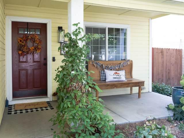 2947 W Lost Rapids Dr, Meridian, ID 83646 (MLS #98821295) :: Idaho Real Estate Advisors
