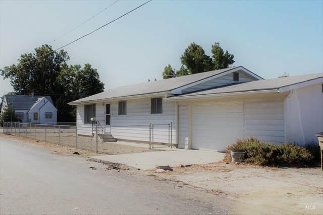 111 N Moffatt, Emmett, ID 83617 (MLS #98821520) :: Team One Group Real Estate