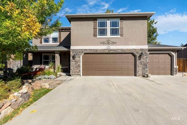 1734 E Fireside Dr, Meridian, ID 83642 (MLS #98821644) :: Bafundi Real Estate