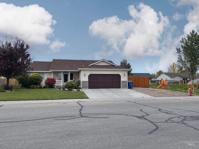 925 Julia, Mountain Home, ID 83647 (MLS #98822322) :: Idaho Real Estate Advisors