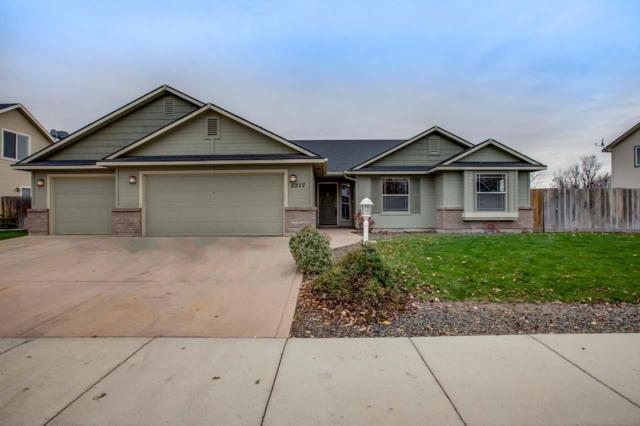5217 W Talamore Dr, Meridian, ID 83646 (MLS #98676299) :: Synergy Real Estate Services at Idaho Real Estate Associates
