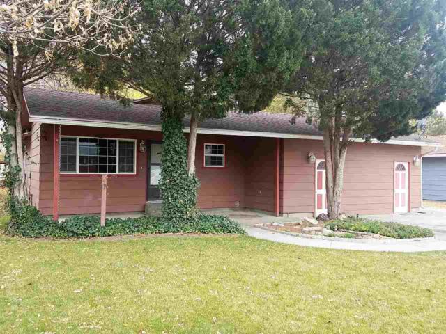 1745 E 5th N, Mountain Home, ID 83647 (MLS #98707577) :: Full Sail Real Estate