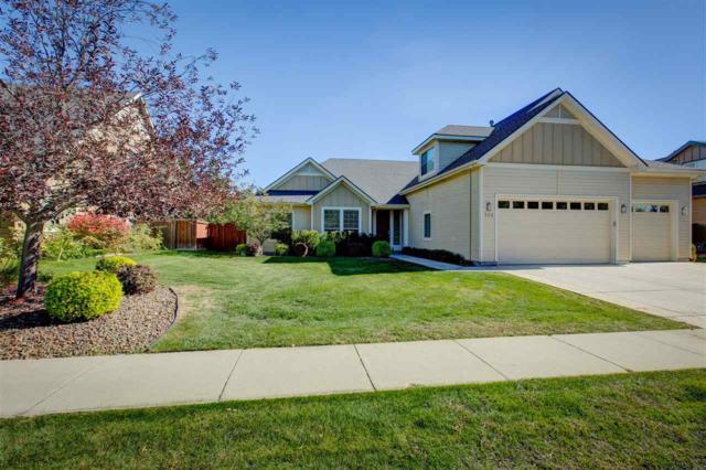 721 W Barrymore Drive, Meridian, ID 83646 (MLS #98708343) :: Full Sail Real Estate