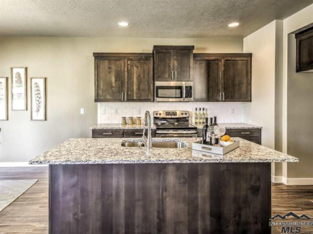 2097 S Hills Ave, Meridian, ID 83642 (MLS #98715480) :: New View Team