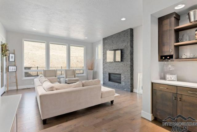 5688 E Millet Dr., Boise, ID 83716 (MLS #98717483) :: Givens Group Real Estate