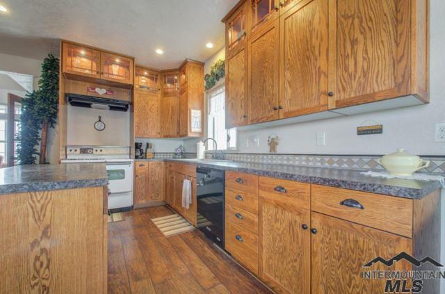 23962 Applewood Way, Wilder, ID 83676 (MLS #98719284) :: Juniper Realty Group