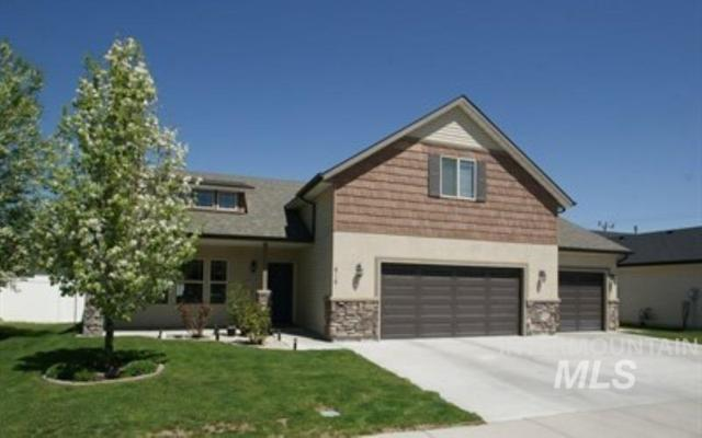 916 W Borah, Twin Falls, ID 83301 (MLS #98720873) :: Jackie Rudolph Real Estate