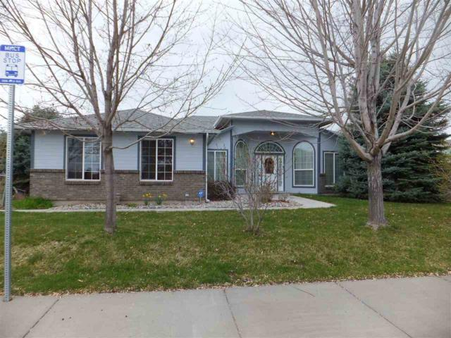 290 E 15th N, Mountain Home, ID 83647 (MLS #98724695) :: Alves Family Realty