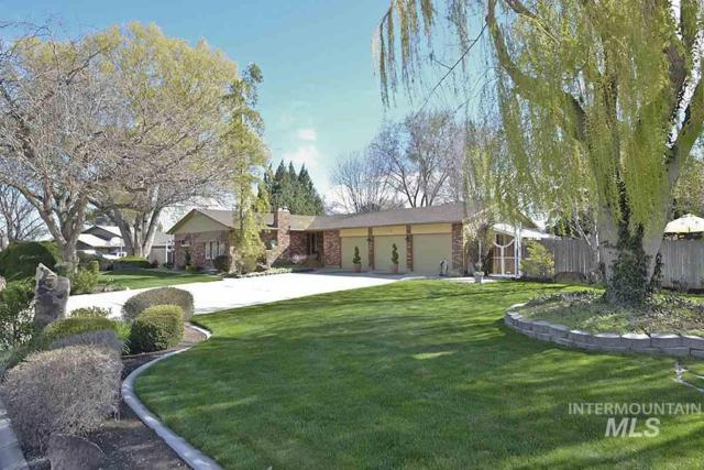 208 S Ravenswood Dr., Meridian, ID 83642 (MLS #98725719) :: New View Team