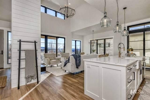 2594 S Shadywood Ln, Boise, ID 83716 (MLS #98739474) :: Idaho Real Estate Pros