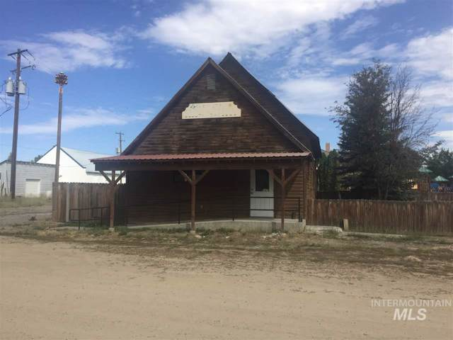 127 E Willow Ave., Fairfield, ID 83327 (MLS #98743233) :: New View Team