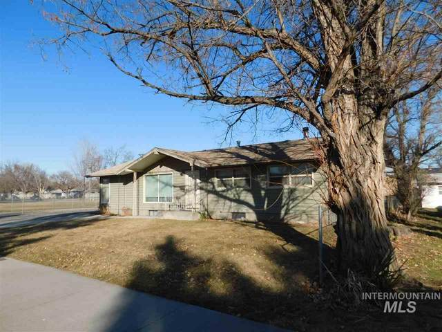 600 N 9th East, Mountain Home, ID 83647 (MLS #98758542) :: Story Real Estate