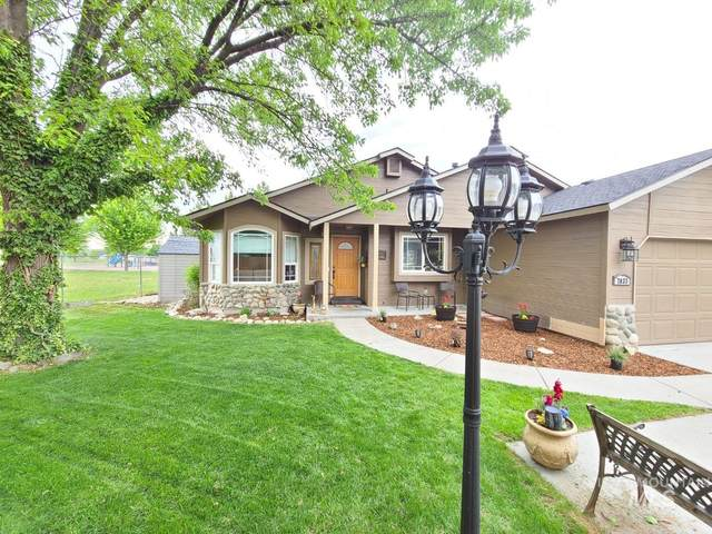 7033 N Casa Real, Boise, ID 83714 (MLS #98766800) :: Jon Gosche Real Estate, LLC