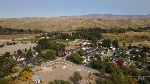 9820 W Shields Ave, Boise, ID 83714 (MLS #98783601) :: Bafundi Real Estate
