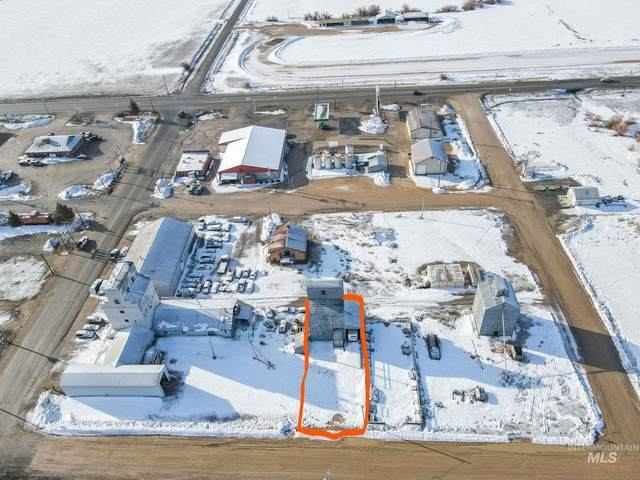 120 W Spruce, Fairfield, ID 83327 (MLS #98796870) :: Team One Group Real Estate