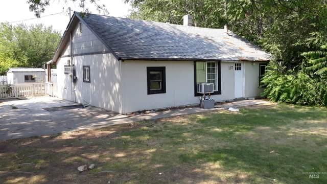 137 6th St N, Nampa, ID 83687 (MLS #98800173) :: Idaho Real Estate Advisors