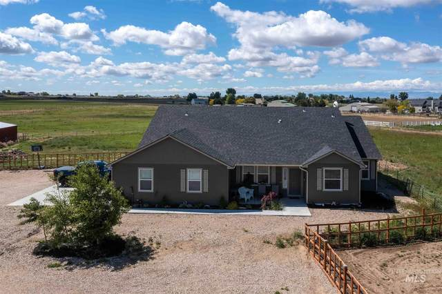 5301 E Deer Flat, Kuna, ID 83634 (MLS #98803477) :: Boise Home Pros