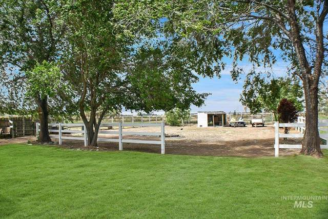 15425 Lakeshore Dr, Caldwell, ID 83607 (MLS #98806861) :: Full Sail Real Estate