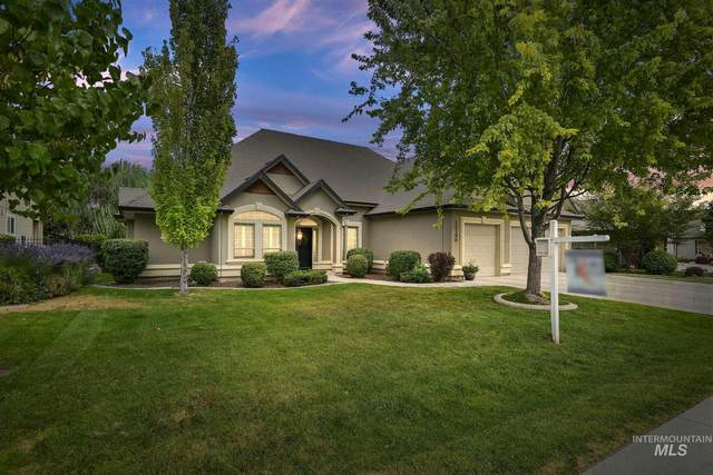 12390 S Carriage Hill Way, Nampa, ID 83686 (MLS #98812340) :: Team One Group Real Estate