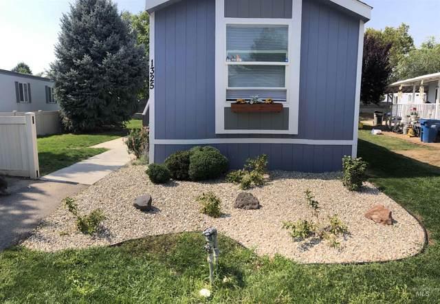 1325 N Arrow Lane, Boise, ID 83704 (MLS #98814305) :: The Bean Team