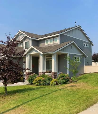 2920 E Falcon Drive, Meridian, ID 83642 (MLS #98818259) :: Boise River Realty