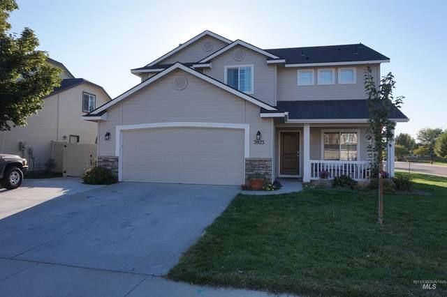 3923 S Brigham Ave, Meridian, ID 83642 (MLS #98818951) :: Build Idaho