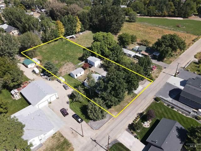 2703 Syringa Ln, Caldwell, ID 83605 (MLS #98819191) :: Navigate Real Estate