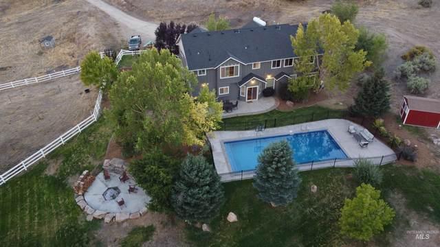 24660 Star Crest Ct, Middleton, ID 83644 (MLS #98819302) :: Idaho Real Estate Advisors