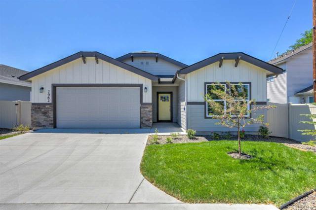 7962 W Maxwell Dr, Boise, ID 83704 (MLS #98691612) :: Jon Gosche Real Estate, LLC