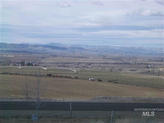 17452 Oak River Lane, Caldwell, ID 83607 (MLS #98713988) :: Beasley Realty