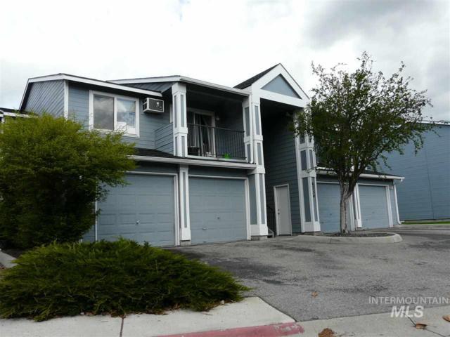 6734 W Clinton Lane, Boise, ID 83704 (MLS #98725518) :: New View Team