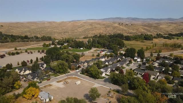 9820 W Shields Ave, Boise, ID 83714 (MLS #98783581) :: The Bean Team
