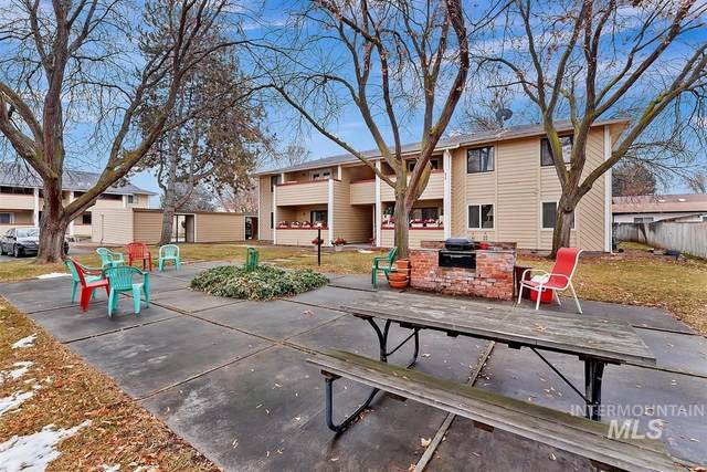 6915 W Colehaven Ln, Boise, ID 83704 (MLS #98789278) :: Team One Group Real Estate