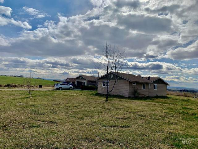 3915 E 1st Lane, Parma, ID 83660 (MLS #98797825) :: The Bean Team