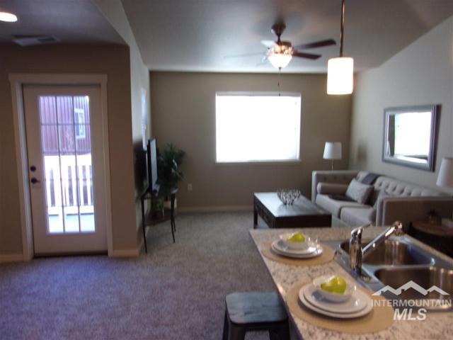 7294 W Denton St., Boise, ID 83704 (MLS #98715502) :: New View Team