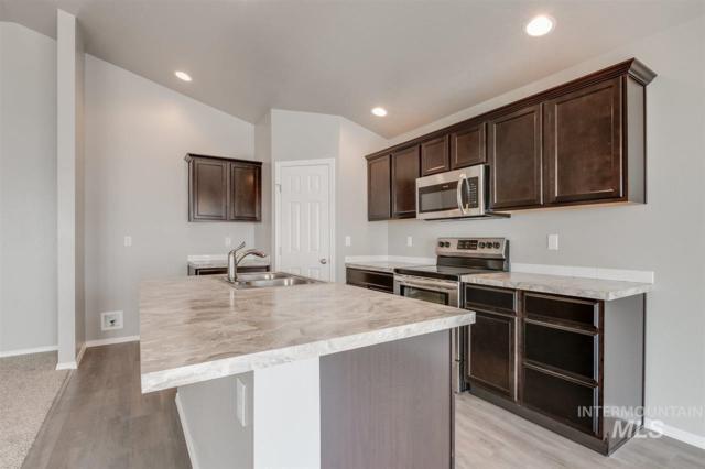 5334 N Maplestone Ave, Meridian, ID 83646 (MLS #98722192) :: Legacy Real Estate Co.
