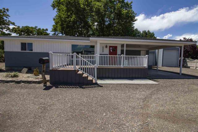 2303 N Whitley, Fruitland, ID 83619 (MLS #98726057) :: Silvercreek Realty Group