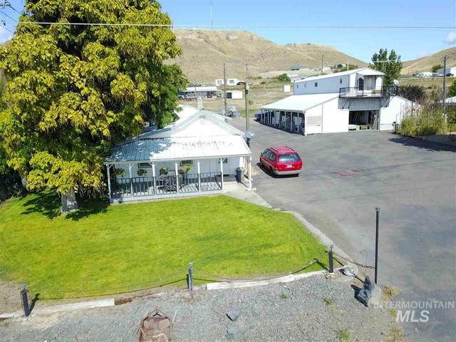 2140 NE 10th Ave, Payette, ID 83661 (MLS #98725593) :: Boise Home Pros