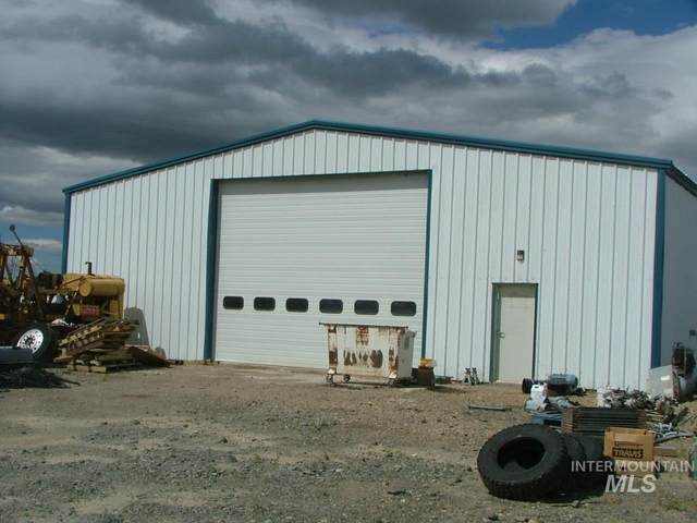921-941 John Day Hwy, Vale, OR 97918 (MLS #98756169) :: City of Trees Real Estate