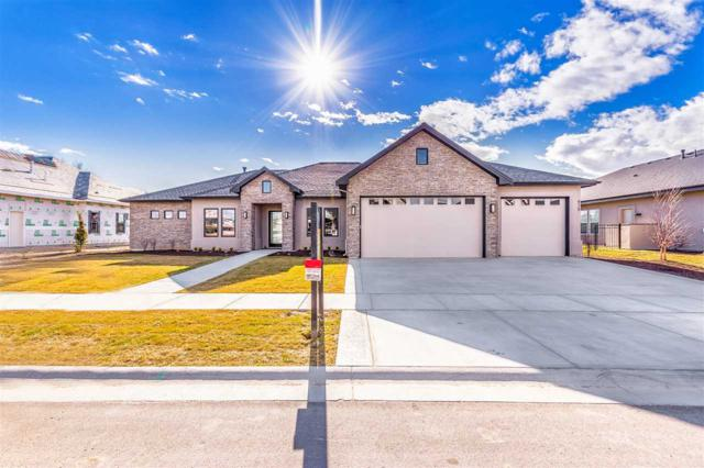 939 S Heron Pointe, Eagle, ID 83616 (MLS #98671779) :: Boise River Realty
