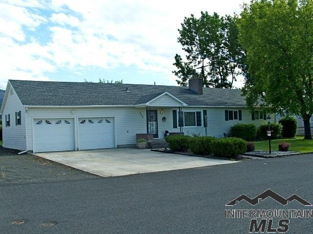 114 E South 10th, Grangeville, ID 83530 (MLS #322112) :: Bafundi Real Estate